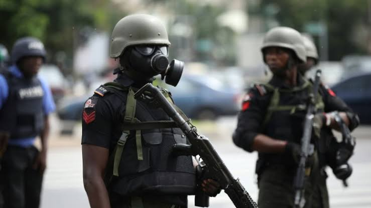 3 shot dead 2 arrested as Police, armed robbers engage in shoot out  By Adedeji Fatimah