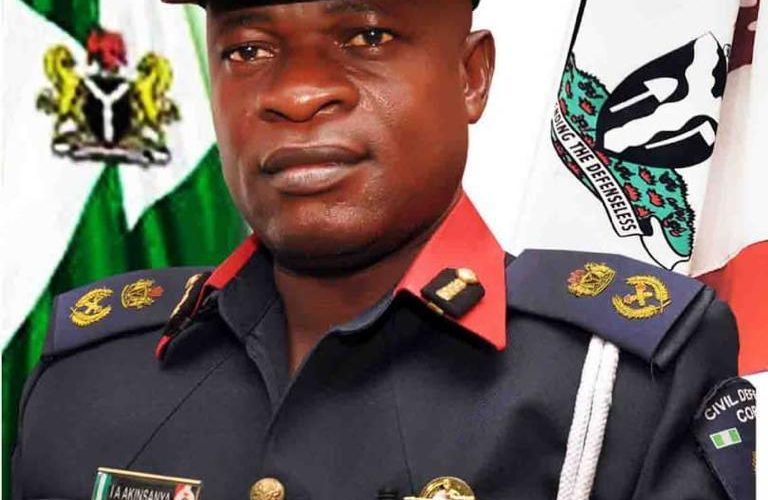 Oyo NSCDC Commandant Commends Personnel, Give Out More Face Mask And Sanitizers