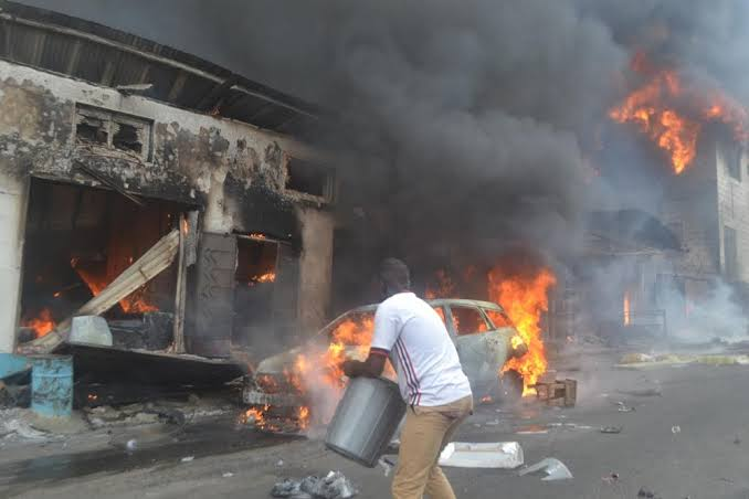 Adeduntan Commiserates With Traders Over Dugbe Market Fire