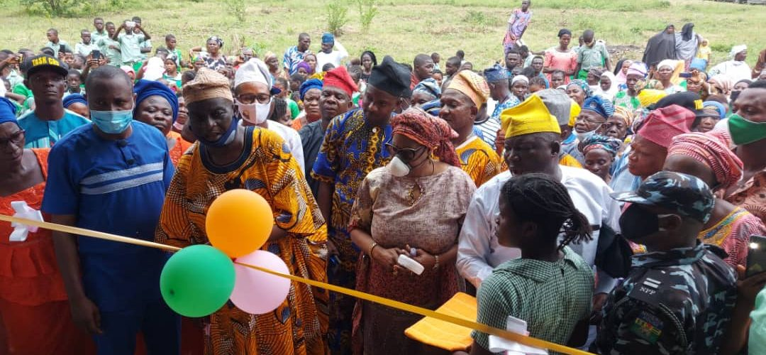 Akande-Sadipe Commissions Classrooms In Oluyole Federal Constituency Schools