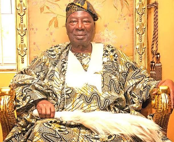 Youth and Sports Minister condoles with Soun of Ogbomoso over the loss of his Son.
