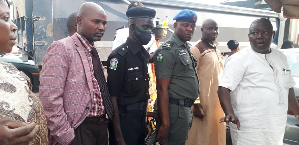 Makinde Issues 7-Days Ultimatum To Roadside Traders